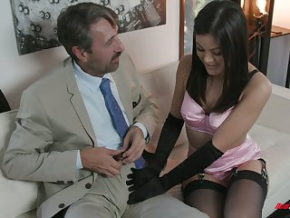 Man eating bitch Kendra Spade gives a blowjob to her doyen sugar daddy
