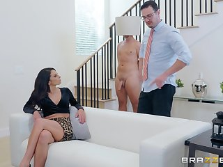 Hot to trot MILF babe Eva Long sucks and rides cock for cum