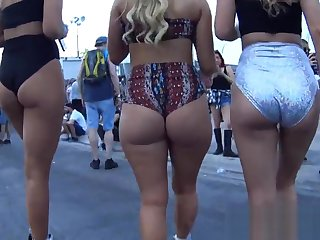 Out in the open Astonishing blonde Pawg WOW!!