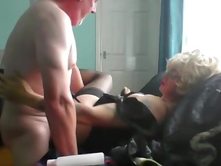 mature sissy gives will not hear of bum up to visiting Daddy