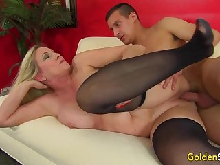 Towheaded mature bi-atch in dark-hued pantyhose, Cala Thirsts is penetrating a nether lad like a superslut