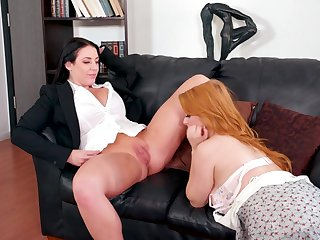 Milf eats and fingers a beautiful redheaded vine