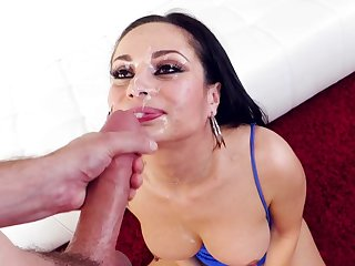 Hot brunette ends magnificent oral turn with facial