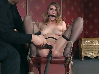 Bound sub slave gets gagged and toyed