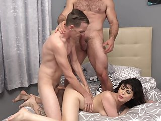 Brunette wife gets drilled buy four bobtail in a dirty threesome