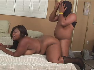 BBW ebony floozy loves the dig up in both her fat holes