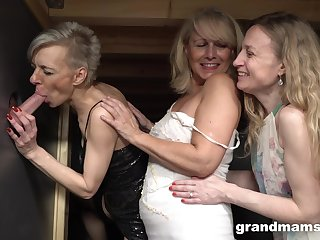 Gloryhole distraction with one extended cock increased by three mature amateurs