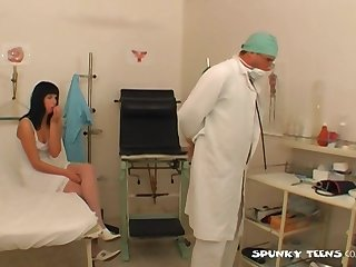 Dirty fucking on slay rub elbows with hospital bed with foot fetish slut Renate