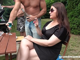 Chubby slut in sunglasses is brutally fucked by two dudes during picnic