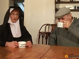 Papy Voyeur Elderly Nun Zoranal Double Sageness Nonne B - materfamilias