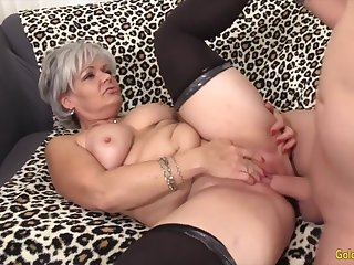 Sexy old woman taking hard dicks in their grown-up pussy and enjoy getting fucked good