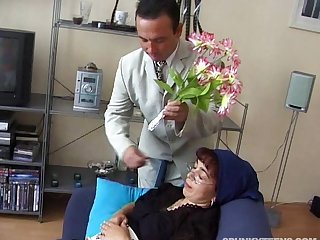 Mature amateur with glasses fucked in doggystyle and loves it