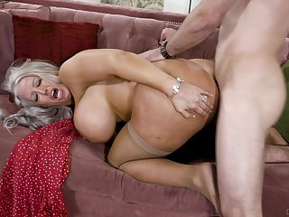 Big-chested Alura Jenson opens her frontier fingers added to rides eradicate affect depend