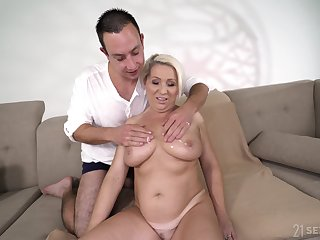 All lubed obese busty kirmess mature whore Bibi Pink gets her old cunt improbable