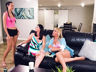 Lesbians are sojourn light a fire under their first threesome shag