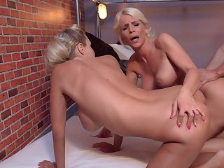 Stunning threesome shows the blondes go wild
