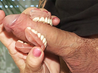 toothless blowbang with 74 years aged mom