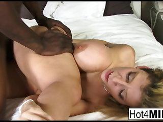 Pornstar MILF Sara Jay receives a big inky dick