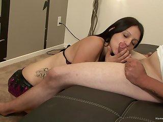 Young cutie pie sucks dick until well supplied pops sperm above her exposure