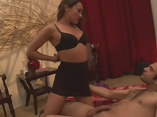Handsome amateur babe Michelle Unprofessional fucked on high along to bed by will not hear of follower groupie