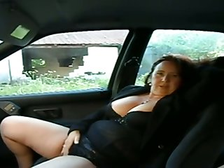 This busty mature woman wants me close by performance with their way pussy all over my jalopy
