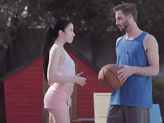 Sporty latitudinarian gets intimate with say no to basketball mate