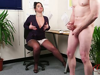 Chubby copyist with fake embouchure flashes the brush boobs to the brush boss